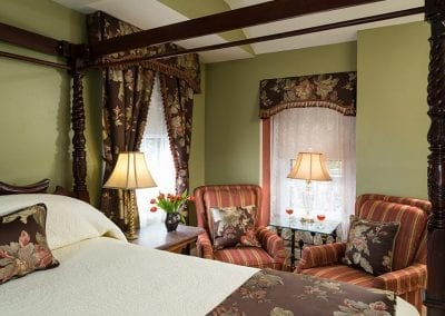 Knightsbridge Room - The Queen Victoria Bed and Breakfast