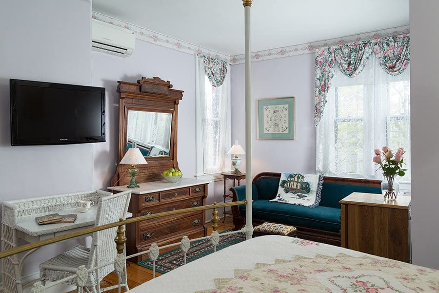 Mayfair Room - Cape May Bed and Breakfast