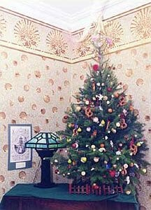 Christmas tree in Cape May- Queen Victoria room