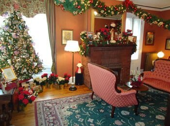 Christmas decorations in Cape May- Queen Victoria